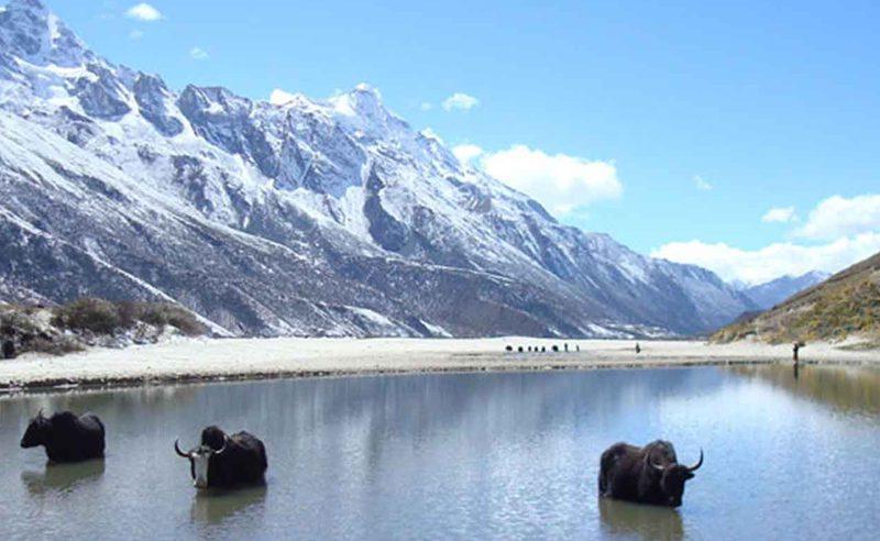 DANGALA-LAKE-TREK