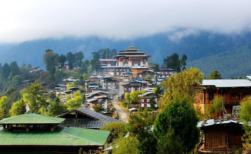 Gangtey_Monastery_village,_Gangtey