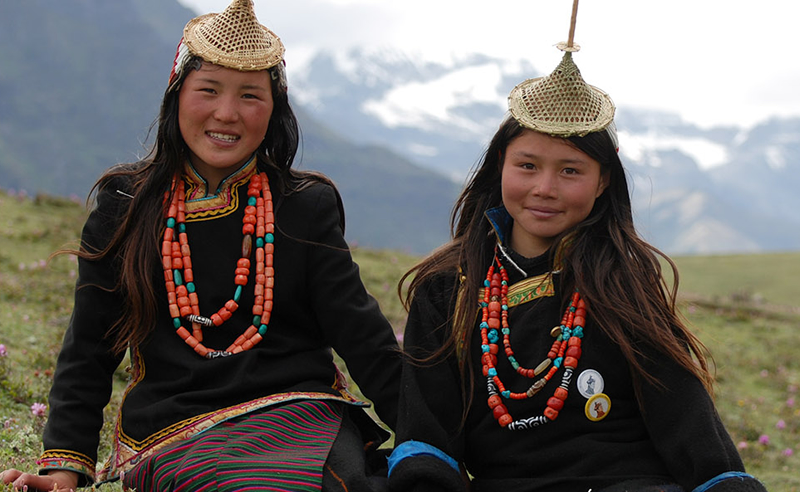 Laya-Bhutan-Girls