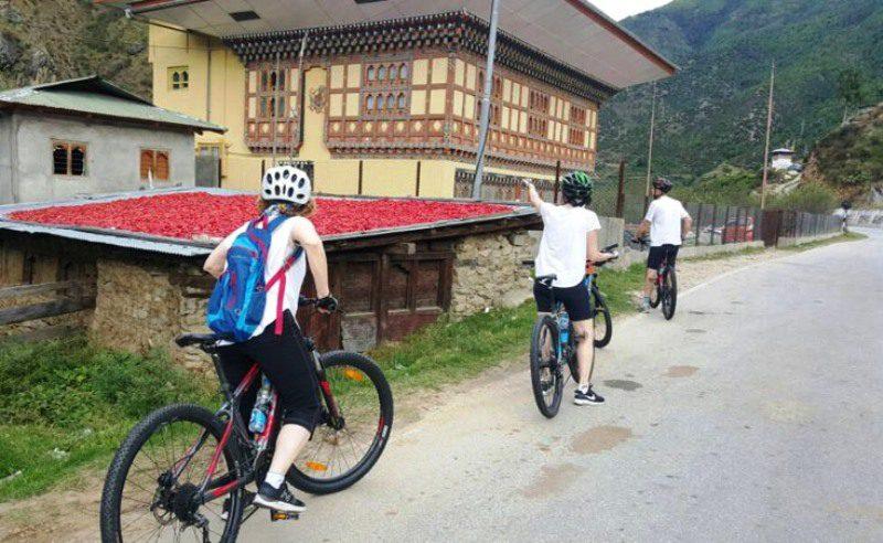 cycling_in_Bhutan